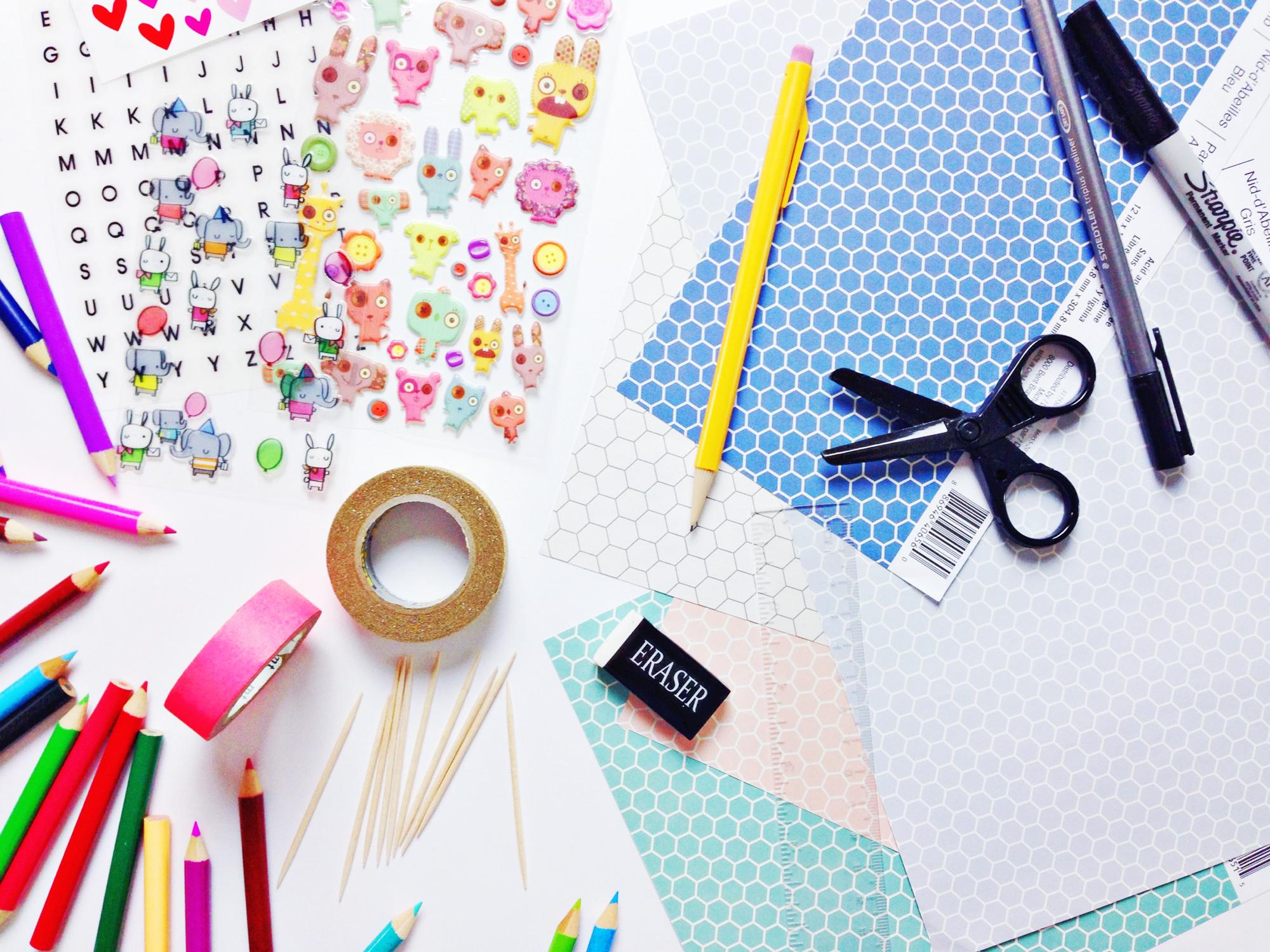 Sticker-cupcake-materials